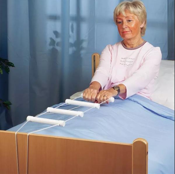 Лестница веревочная для помощи подъема на кровати (от 3 руб/день)