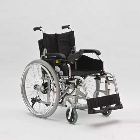 Инвалидное кресло каталка FS 108LA  с электроприводом (от 55 р/сут)